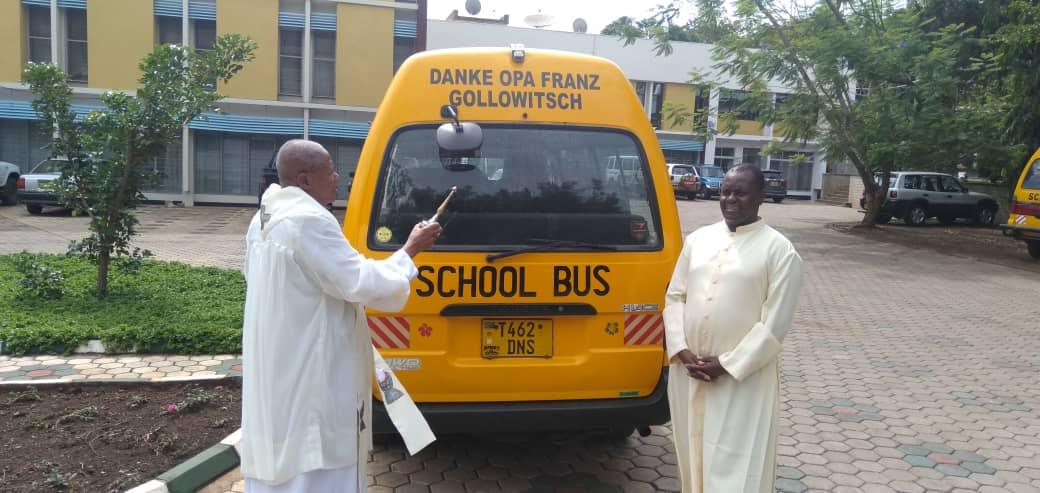 Danke für den Schulbus von Franz Gollowitsch